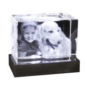 2D-3D-Glablock_100x70x60_Kind+Hund_mit-LED-Sockel