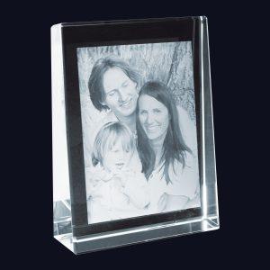 680710_2D-Glasbild_selbststehend_140x105x35_Familie_bl