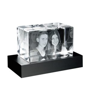 680727-Glasblock_3D-Portrait_auf-Sockel_frei