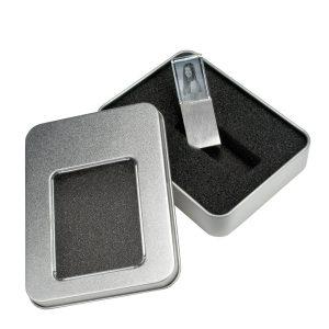 866046_USB-Stick_in_Verpackung_mit_Deckel