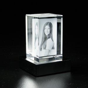 Glasblock 2 D hochkant_ohne_sockel_Mood-black