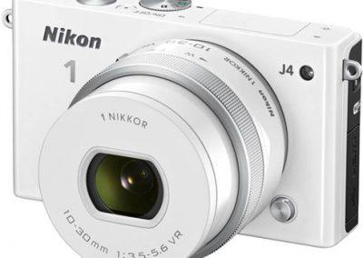 Nikon 1 J4 + 10-30 mm PD-Zoom Weiß